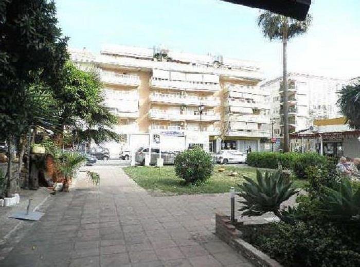 Piso en venta en fuengirola por inmobiliaria for Pisos fuengirola