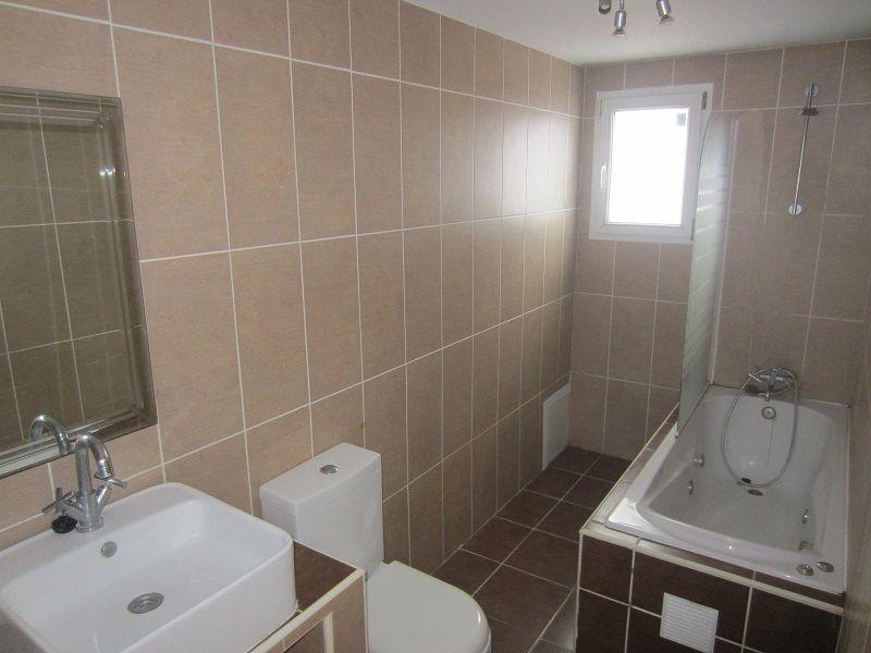 Baños Romanos De Manilva:Vivienda de 139 m² con 4 habitaciones ubicada en UR Valle Romano