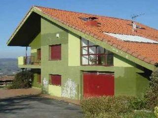 Chalet en venta en Oviedo de 257  m²