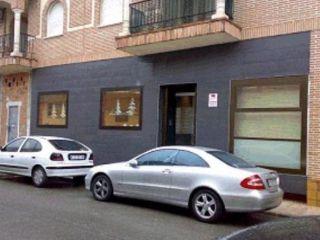 Local en venta en Torrijos de 162  m²