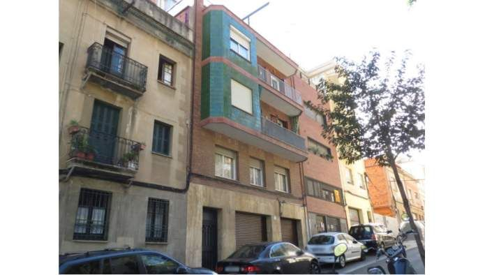 Piso en venta en barcelona por inmobiliaria for Pisos de bancos en barcelona