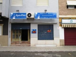 Local en venta en Sueca de 66  m²
