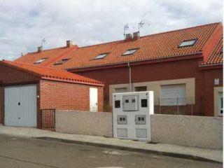 Chalet en venta en Villaverde De Medina de 164  m²
