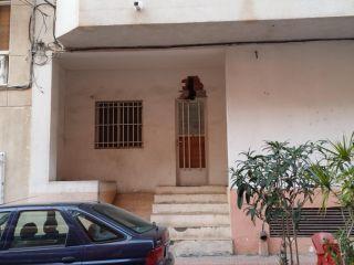 Local en venta en Torrevieja de 86  m²