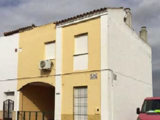 Chalet en venta en Villanueva Del Ariscal de 134  m²
