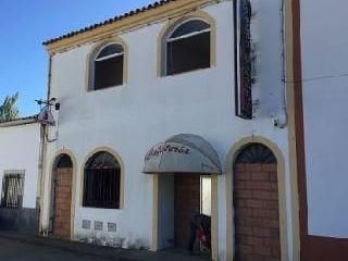 Local en venta en Burguillos Del Cerro de 212  m²