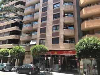 Local en venta en Villena de 49  m²