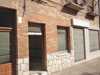 Local en venta en Torrijos de 91  m²