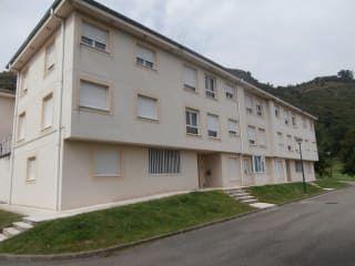 Piso en venta en Corvera De Toranzo de 87  m²