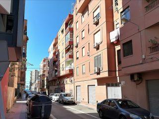 Piso en venta en Almería de 70  m²