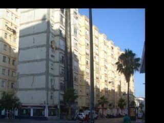 Piso en venta en Cádiz de 52  m²