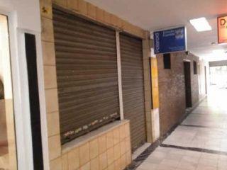 Local en venta en Sevilla de 30  m²