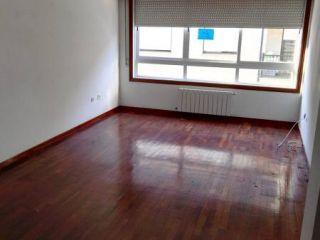 Piso en venta en Ourense de 68  m²