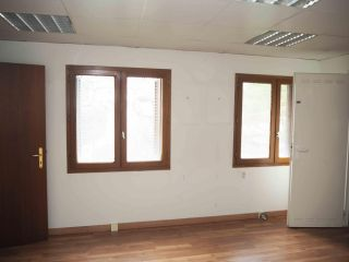 Local en venta en Villava de 78  m²