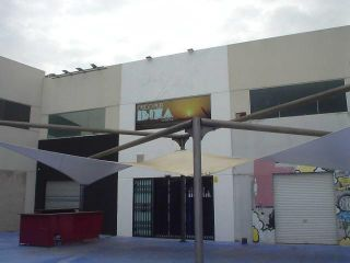 Local en venta en Amposta de 108  m²