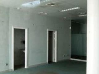 Local en venta en Nuevo Baztán de 70  m²