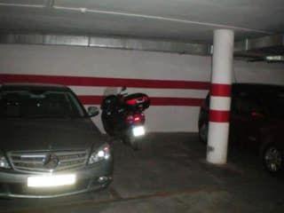 Garaje en venta en La Zubia de 25  m²