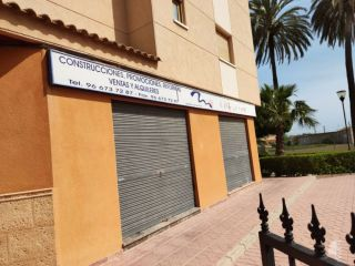 Local en venta en Orihuela de 100  m²