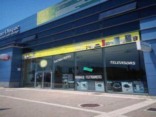 Nave en venta en Vilanova I La Geltru de 315  m²