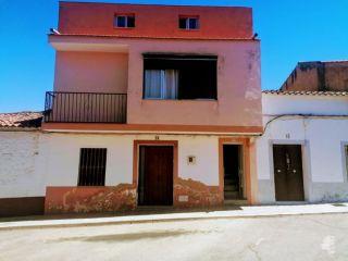 Piso en venta en Oliva De Mérida de 142  m²