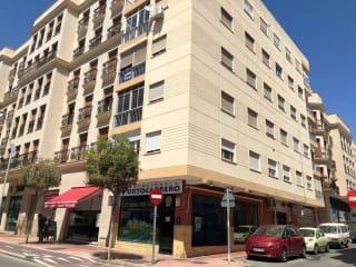 Piso en venta en Almería de 84  m²