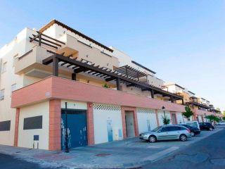 Local en venta en Palma Del Condado, La de 96  m²