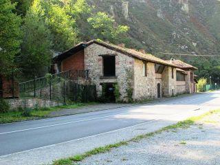 Local en venta en Cangas De Onis de 613  m²