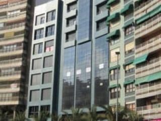 Local en venta en Alicante de 204  m²