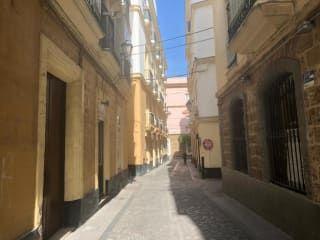 Piso en venta en Cádiz de 103  m²
