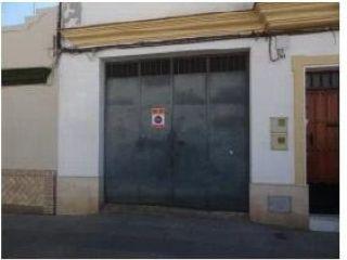 Local en venta en Lora Del Rio de 101  m²