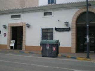Garaje en venta en La Roda de 9  m²