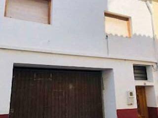 Local en venta en Oliva de 105  m²