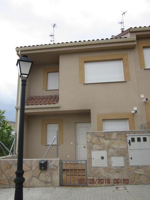 Casa en venta en C. Olias, 34, Mentrida, Toledo