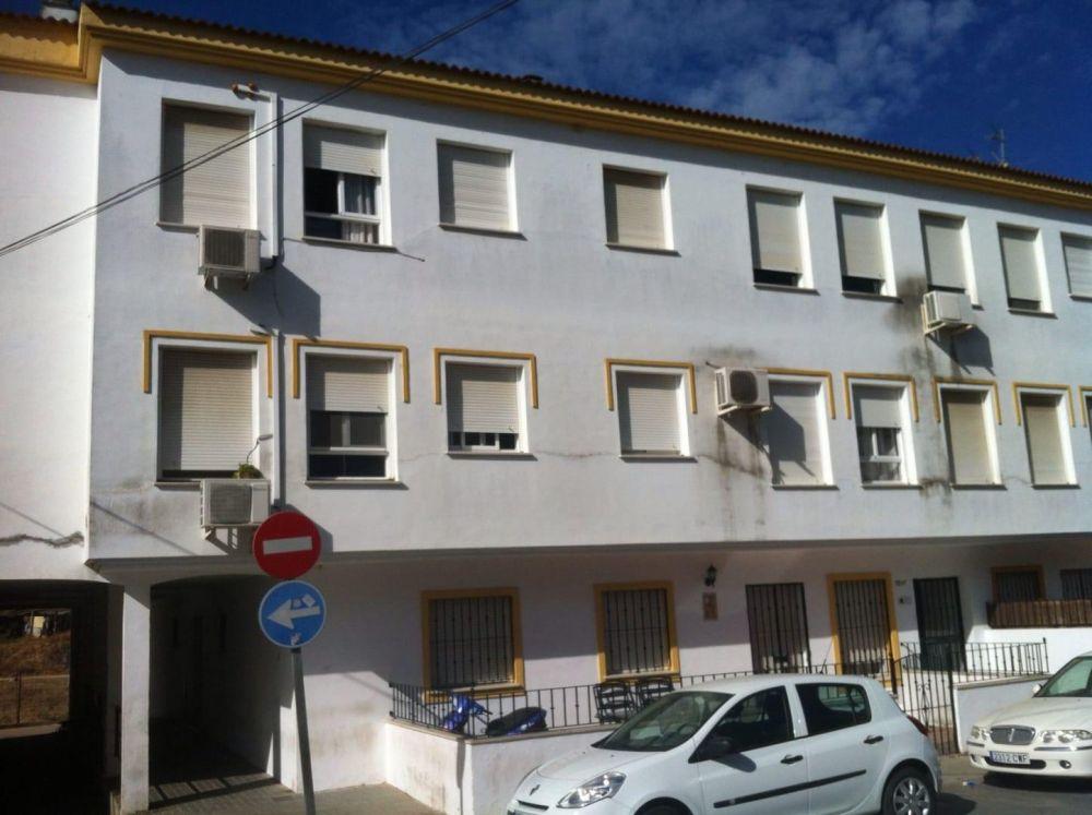 Piso en venta en C. Fuenteplata, 4, Gibraleon, Huelva