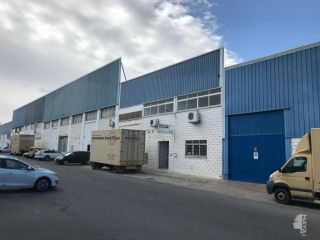 Nave en venta en Valencina De La Concepción de 607  m²