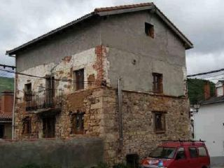 Piso en venta en Barruelo De Santullan de 233  m²