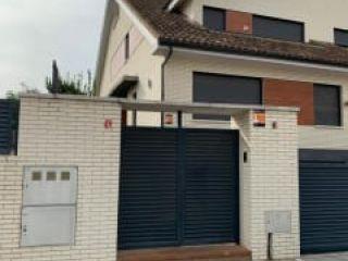 Piso en venta en Villanueva De La Cañada de 333  m²