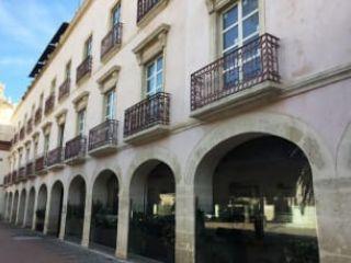Piso en venta en Almería de 63  m²