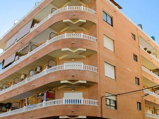 Piso en venta en Torrevieja de 57  m²