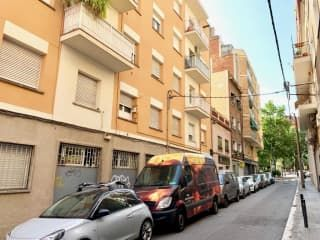 Piso en venta en Barcelona de 56  m²