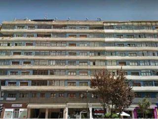 Piso en venta en Oviedo de 93  m²