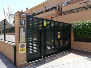 Piso en venta en Villanueva De La Cañada de 147  m²