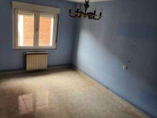 Piso en venta en Oviedo de 62  m²