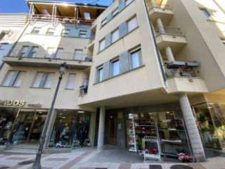 Local en venta en Navia de 107  m²