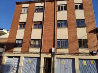 Piso en venta en Valencia De Don Juan de 69  m²