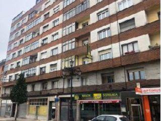 Atico en venta en Oviedo de 91  m²