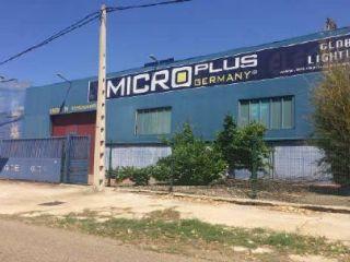 Nave en venta en Villaralbo de 2099  m²
