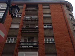 Piso en venta en Oviedo de 54  m²