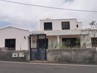 Piso en venta en Tinajo de 213  m²