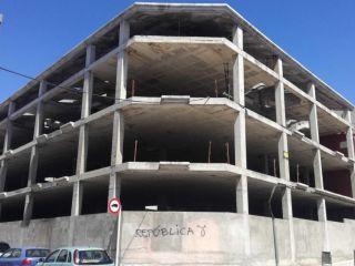 Duplex en venta en Tarrega de 1965  m²